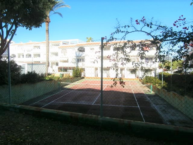 1 Bedroom Middle Floor Apartment For Sale Cerros del Aguila