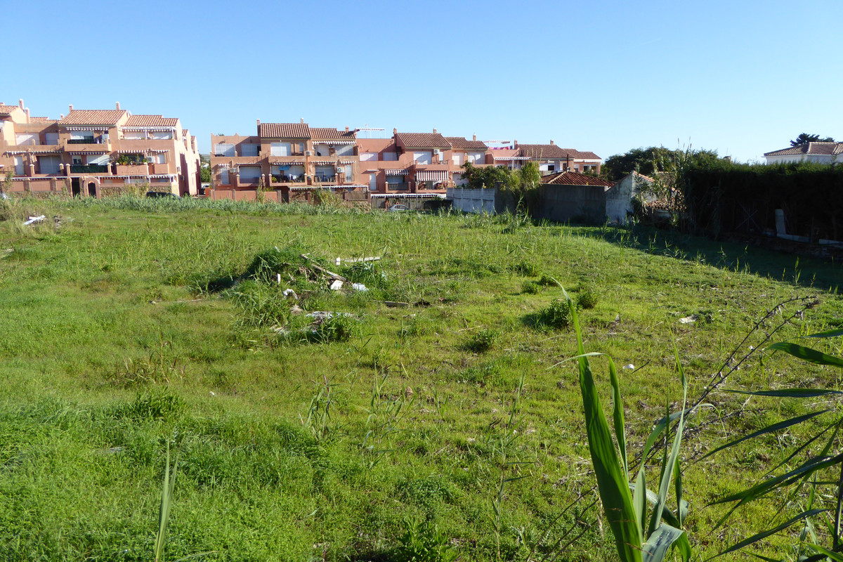 Plot in Estepona R3501298 5 Thumbnail