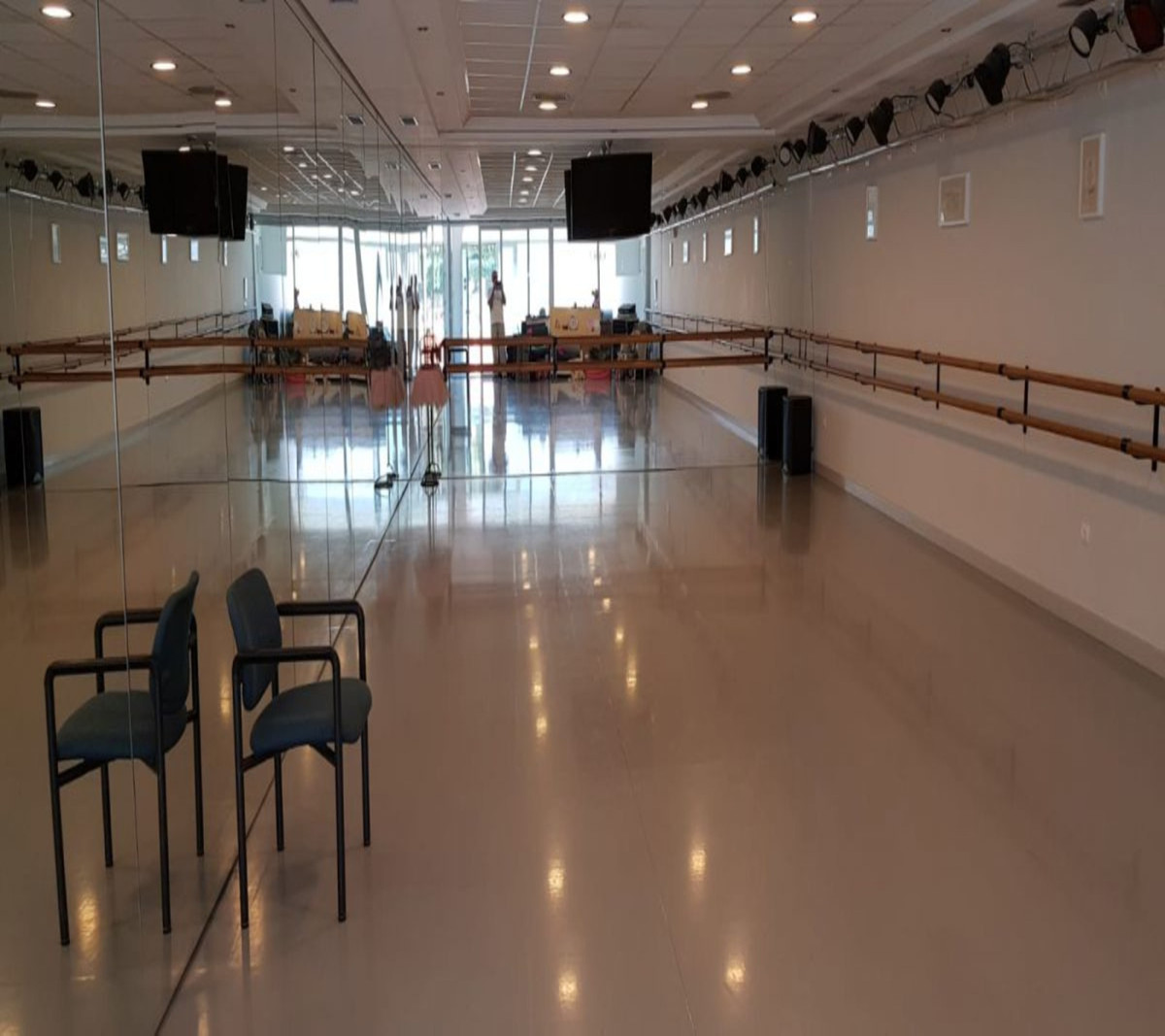 Commercial  for sale that will bring you profit. You have a chance to invest money profitably and co,Spain