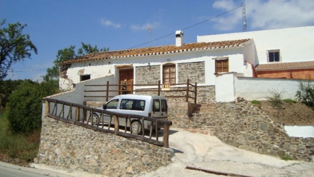 A very conveniently located country home between the villages of Triana and Benamargosa with lovely ,Spain