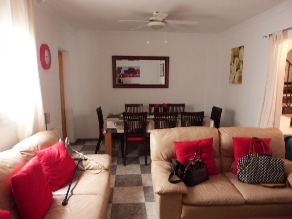 This large town house is centrally located to this village with all amenities nearby. There are 3 be,Spain