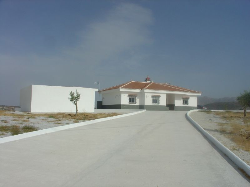 This newly constructed house has been to an exceptional high standard there are 3 large double bedro, Spain