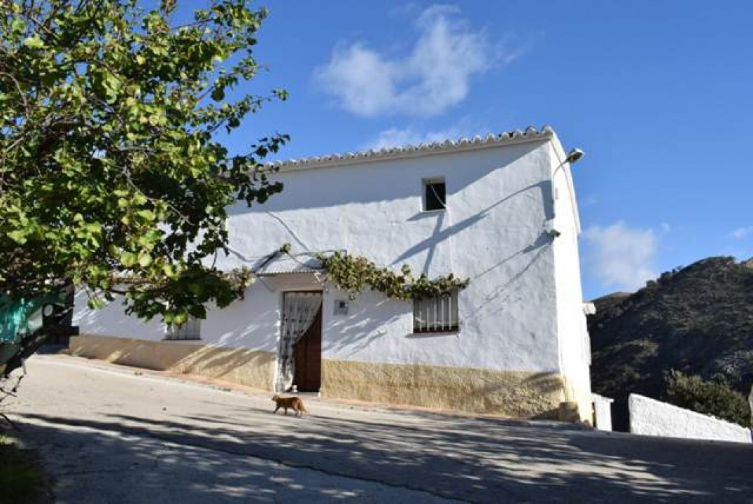 A rare opportunity to purchase a traditional country house, set in a beautiful mountain landscape in, Spain