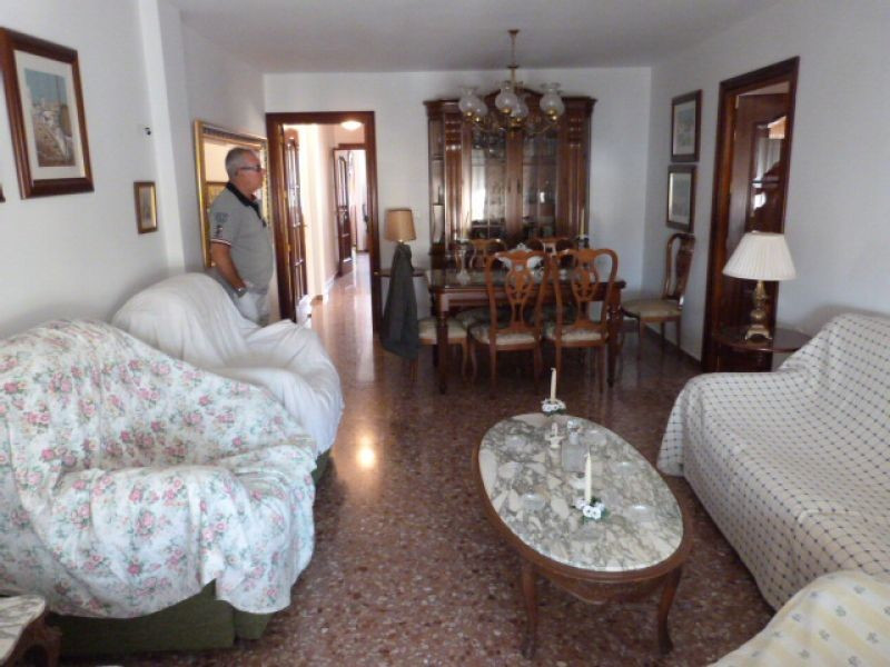 This large apartment is centrally located and comprises living/dining room, kitchen/breakfast room w,Spain