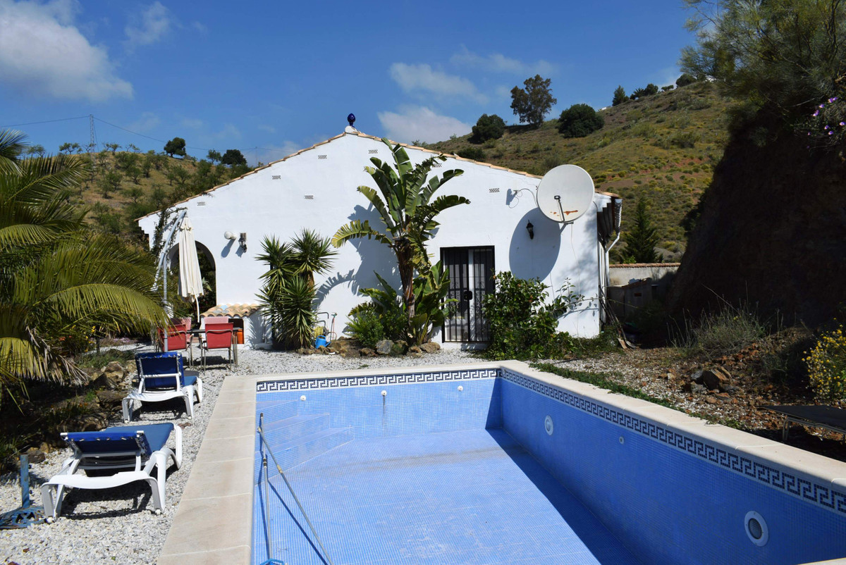 This newly built country house is set in the mountains of Sedella, only a 30 minute drive to the coa, Spain
