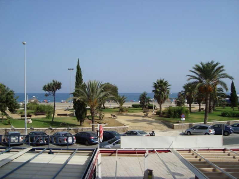 This lovely 3 bedroom 1 bathroom apartment stands south facing with lounge and separate kitchen larg,Spain