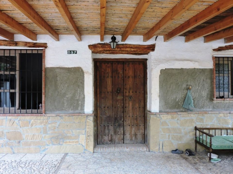 House - Comares