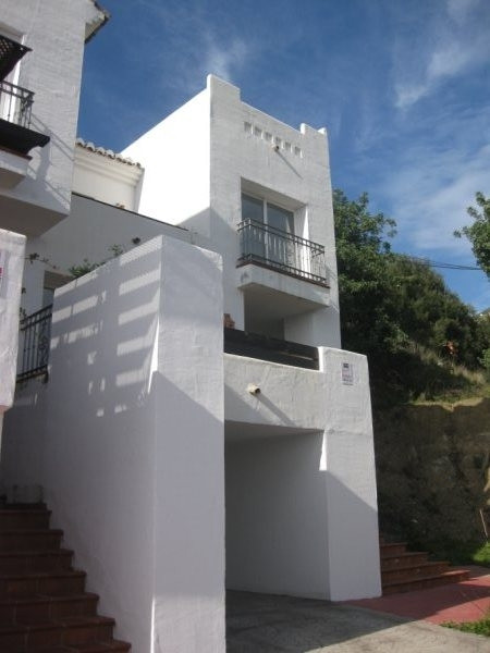 Townhouse for sale in Istan