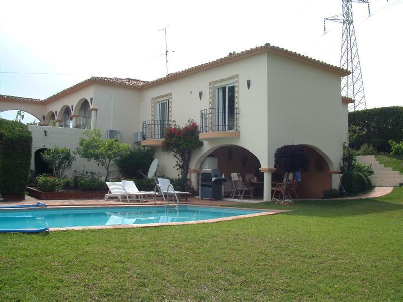 Villa for sale in Dona Julia