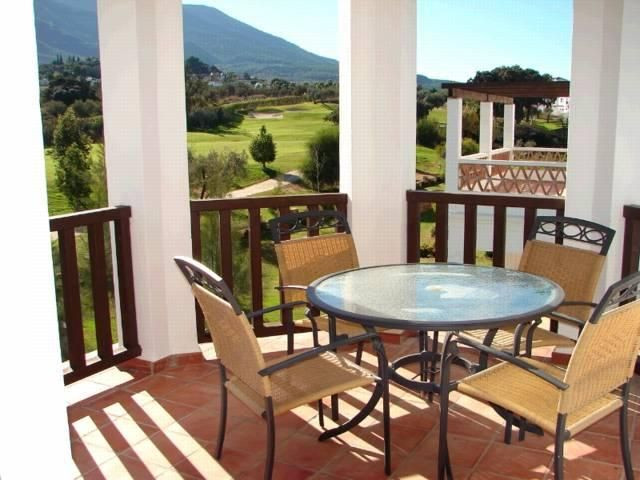 Villa for sale in Lauro Golf