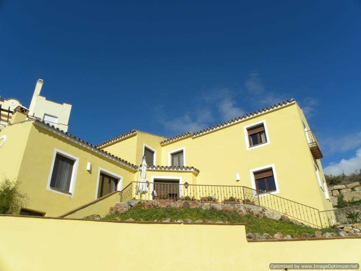 Villa for sale in Los Almendros