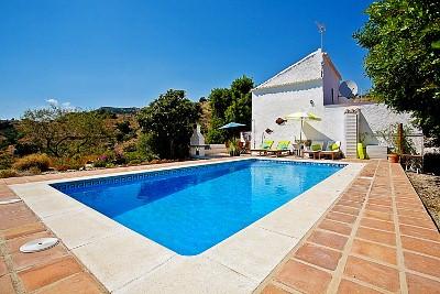 Villa for sale in Comares