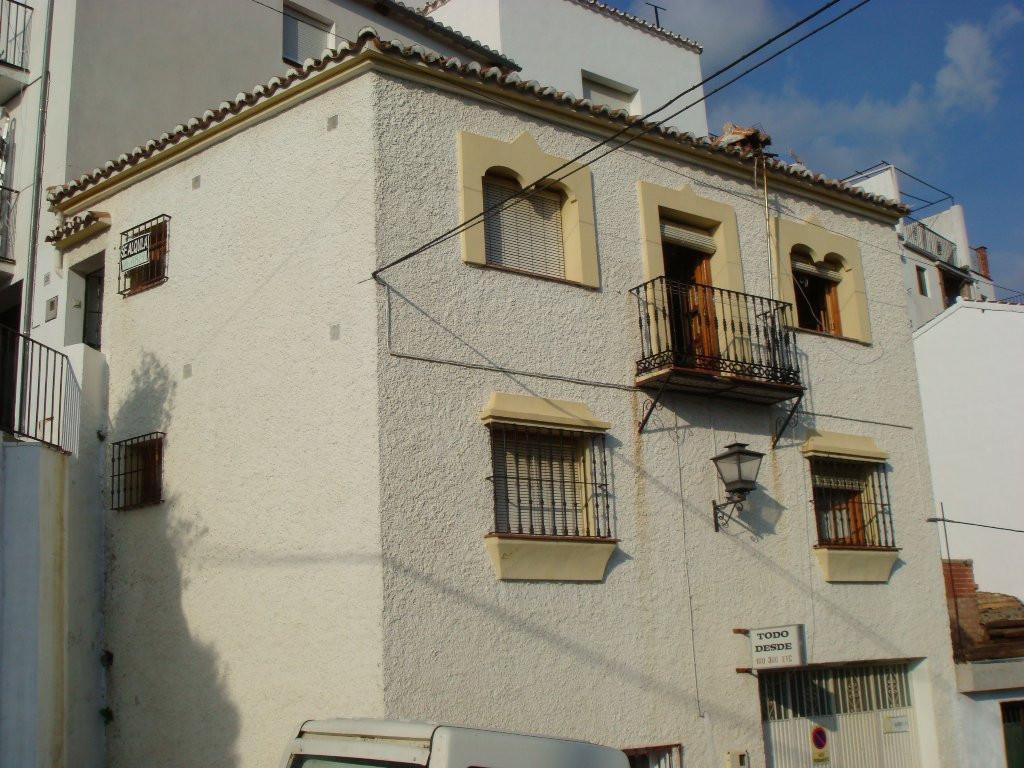 Villa for sale in Jubrique