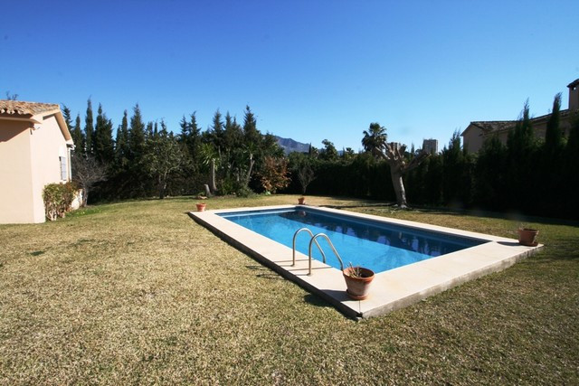 Villa for sale in Las Brisas