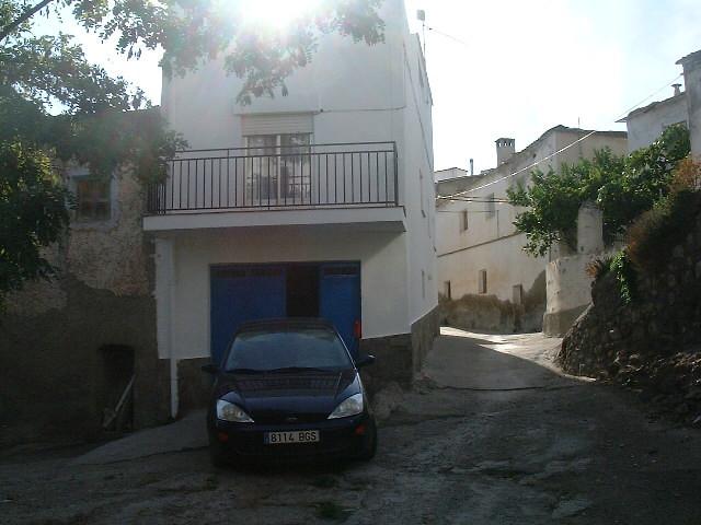 Villa for sale in Ugijar