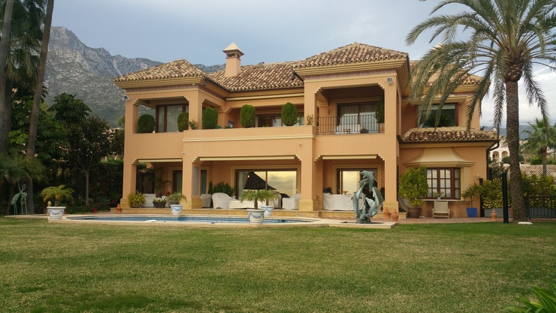 Apartment for sale in Torrequebrada