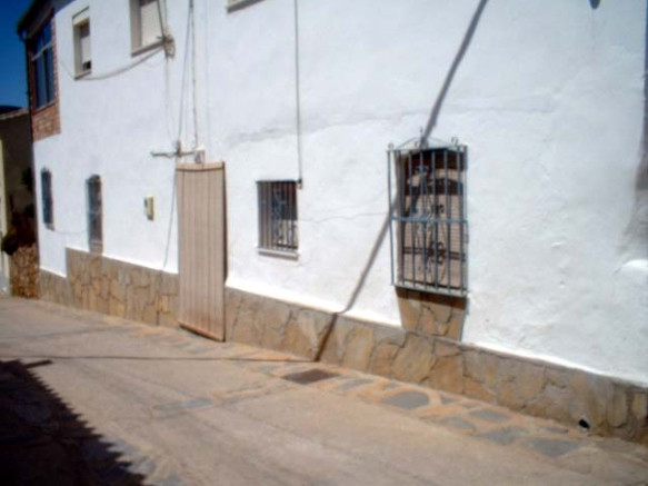 Townhouse for sale in Cortes de la Frontera