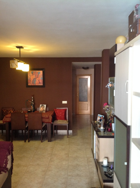 103 m2 floor a few minutes from the center of Coin, with 2 bedrooms, bathroom, kitchen, large living Spain