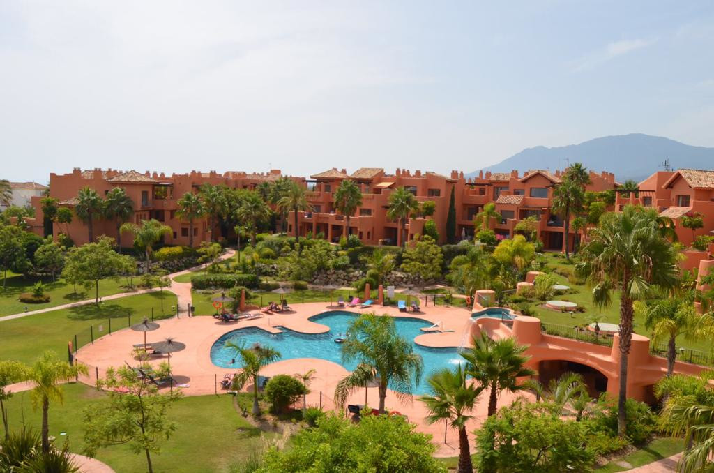 Best penthouse in the complex.This nice one bedroom penthouse has two different and big terraces inc, Spain
