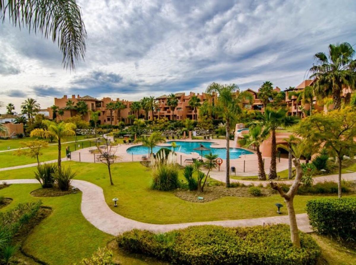 Marbella Banus Apartamento en Planta Última en Venta en New Golden Mile – R3533485