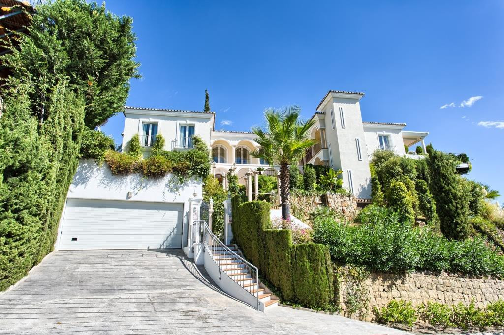 VASTLY REDUCED FOR A QUICK SALE - Original selling price - €2,495,000 - Official valuation in 2016 o, Spain