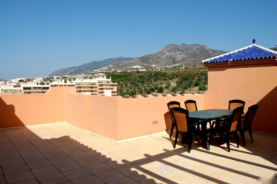 Fantastic Penthouse Duplex with a huge 75m2 terrace with sea and mountain views in El Pinillo, Torre,Spain