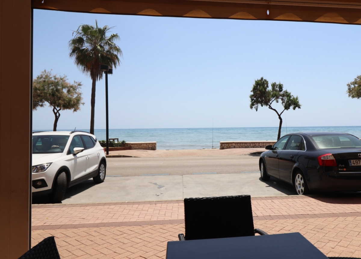 Excellent price for a great restaurant in 1st line of the Paseo Maritimo de Fuengirola. This restaur, Spain