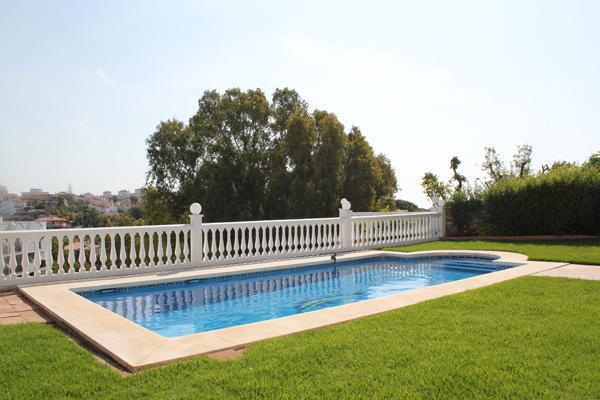 Hermosa y lujosa villa de 3 dormitorios Estupendamente situada en Torrenueva a pocos metros de la Ca,Spain