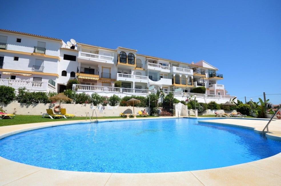 Bright modernized apartment with wonderful views to the sea for sale in El Faro. It consists of two ,Spain
