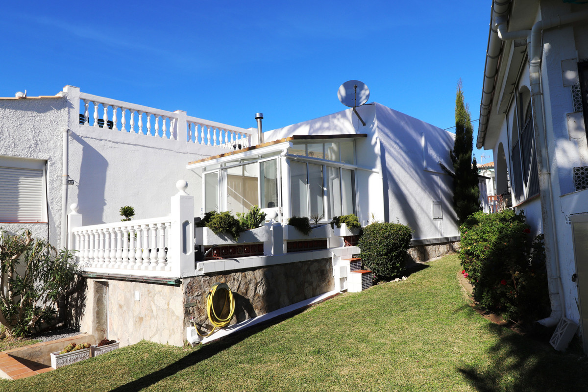 Beautiful refurbished corner town house in El Faro with big roof terrace. Enjoy the sunny climate in, Spain