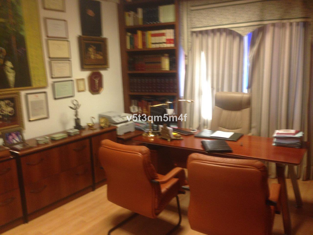Office Commercial in Marbella