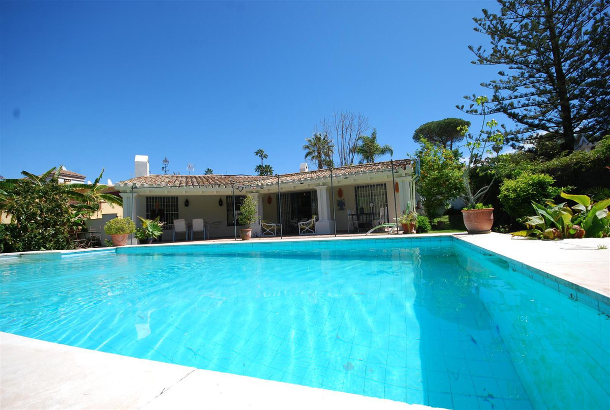 Detached Villa in Guadalmina Alta