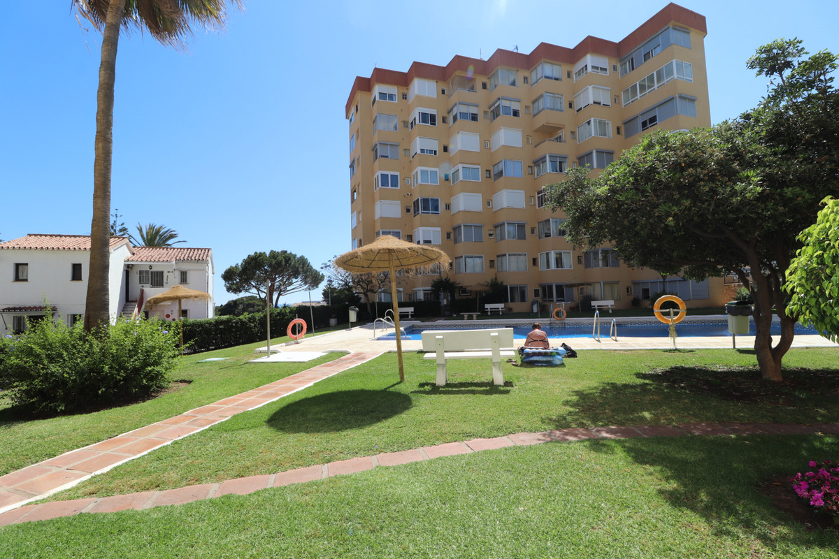 Middle Floor Apartment, El Faro, Costa del Sol. 1 Bedroom, 1 Bathroom, Built 32 m².  Setting : Close, Spain