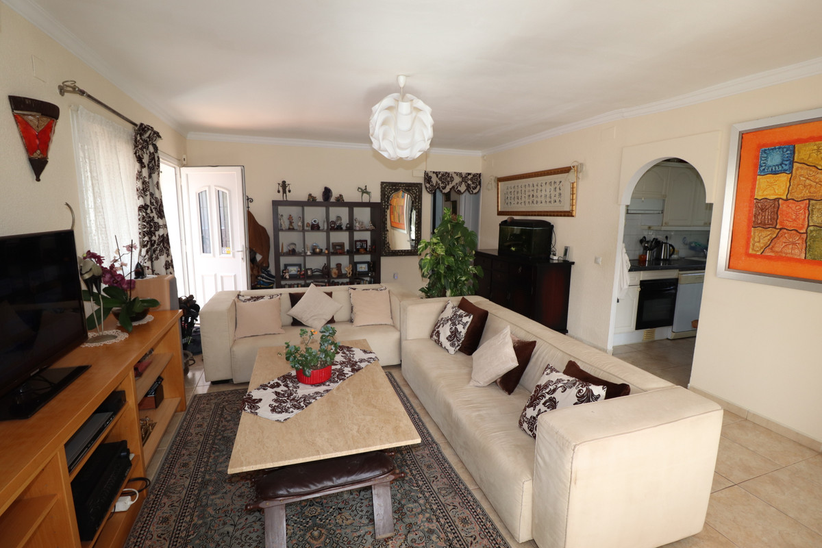 Detached Villa, Mijas, Costa del Sol. 3 Bedrooms, 2 Bathrooms, Built 110 m², Terrace 25 m².  Setting, Spain