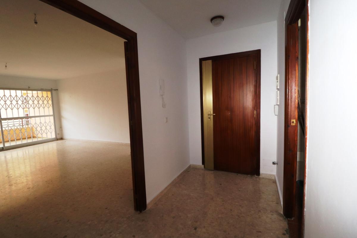 Marbella Banus Apartamento Planta Media en Venta en Marbella – R2564819