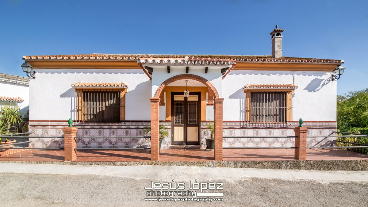 House in Alora R3597497 12
