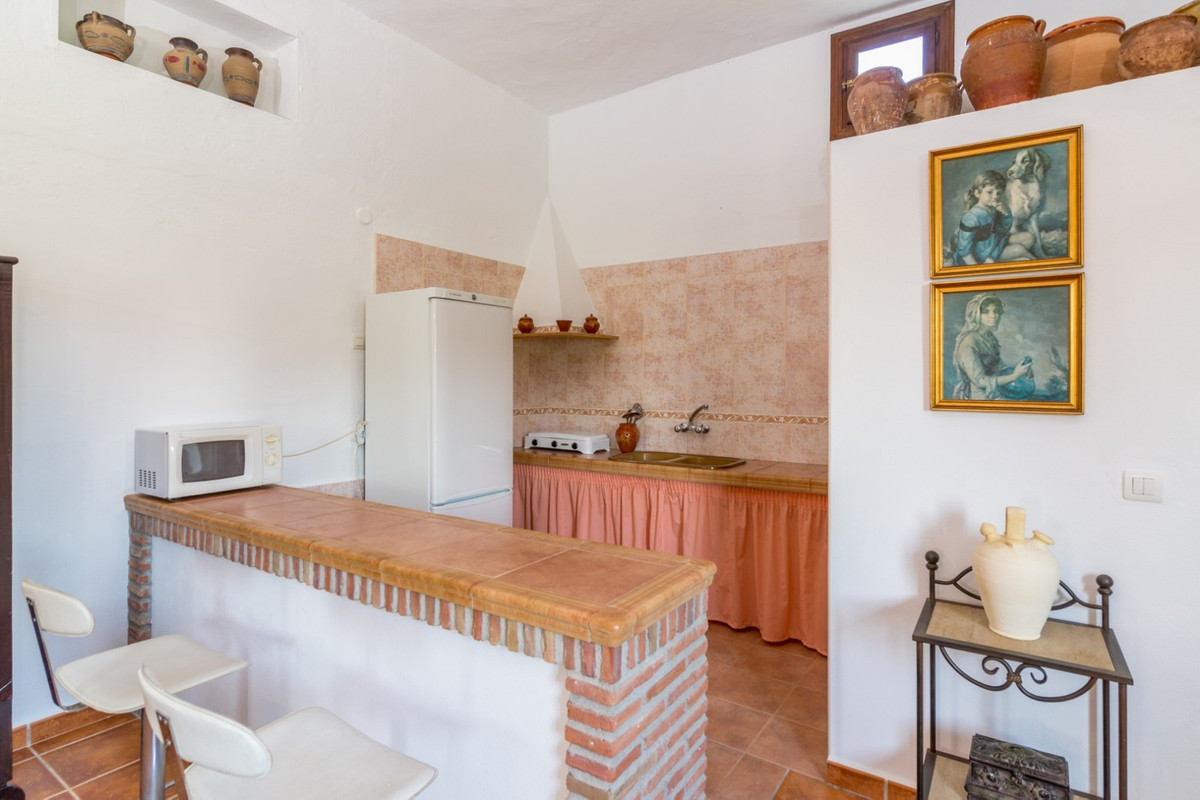 House in Alora R3597497 18