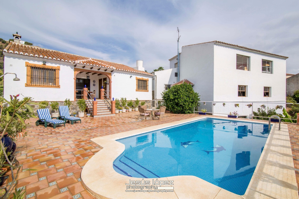 House in Alora R3597497 23