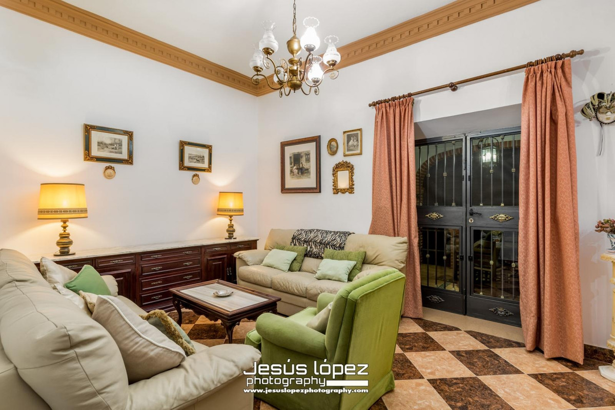 House in Alora R3597497 5