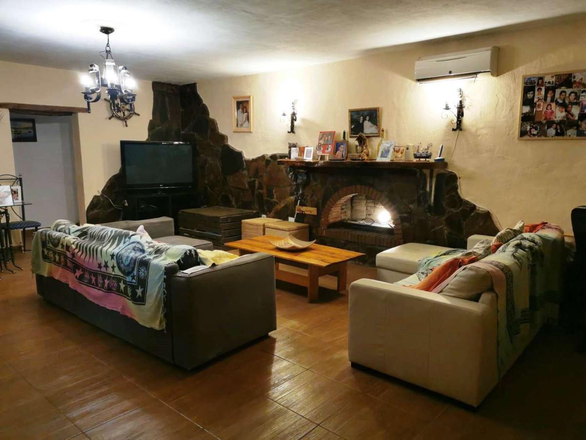 House in Alhaurín de la Torre R3859363 4