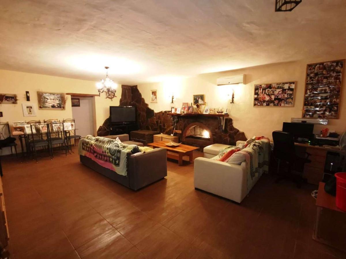 House in Alhaurín de la Torre R3859363 5