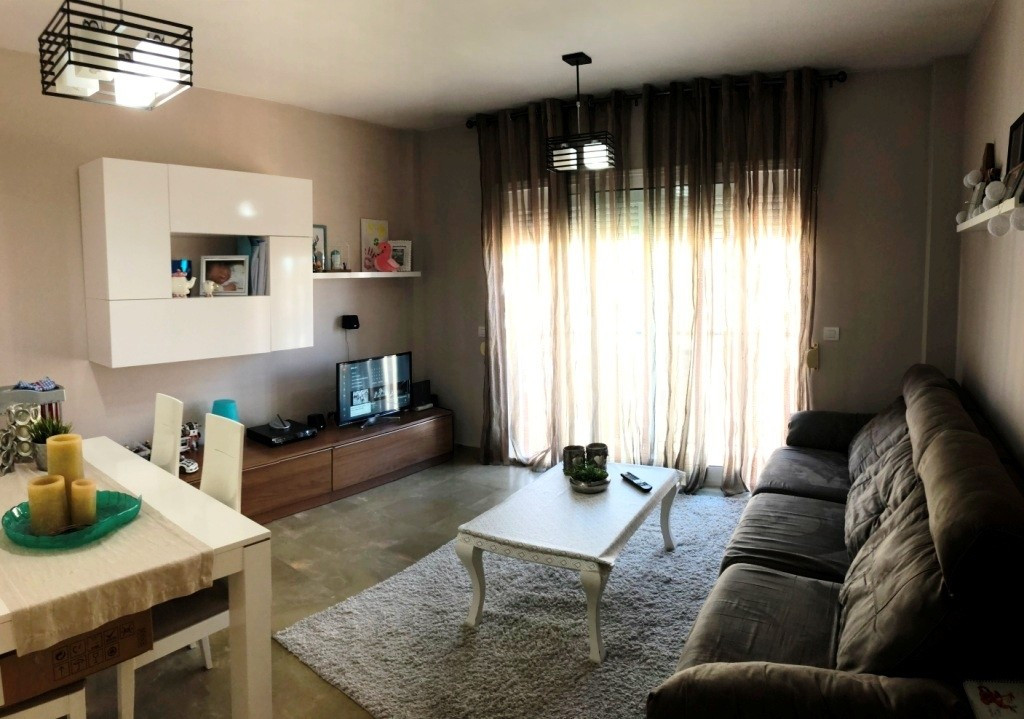 Apartment in Alhaurín de la Torre R3291529 1