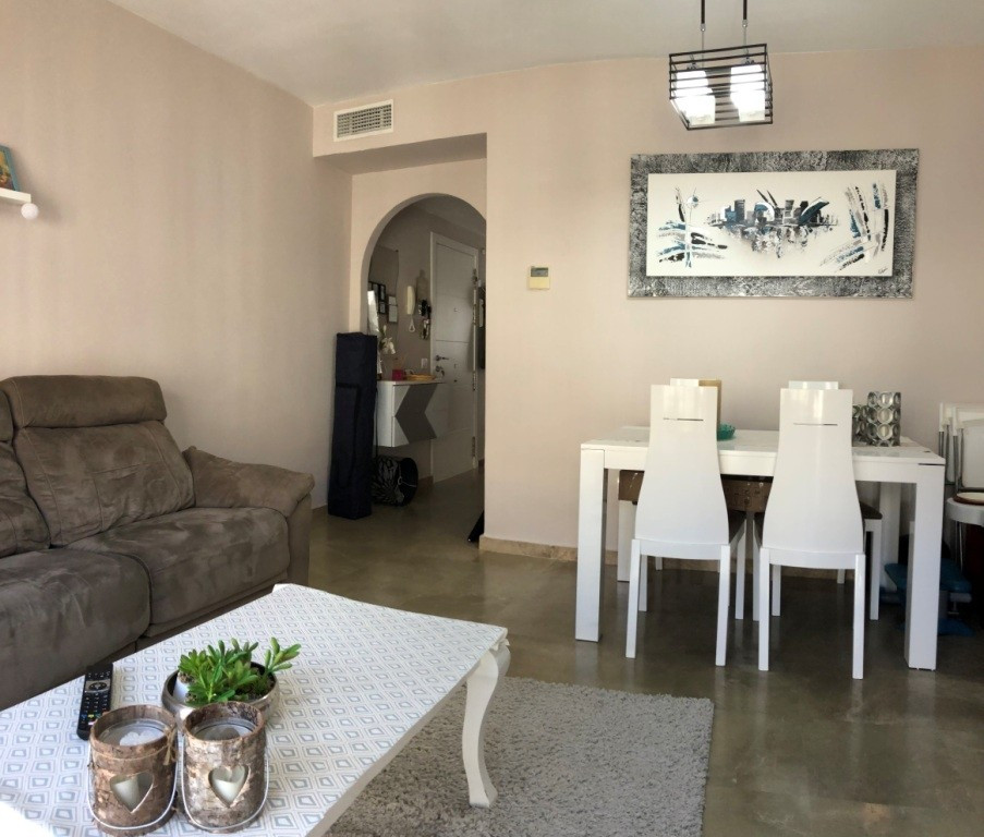 Apartment in Alhaurín de la Torre R3291529 3