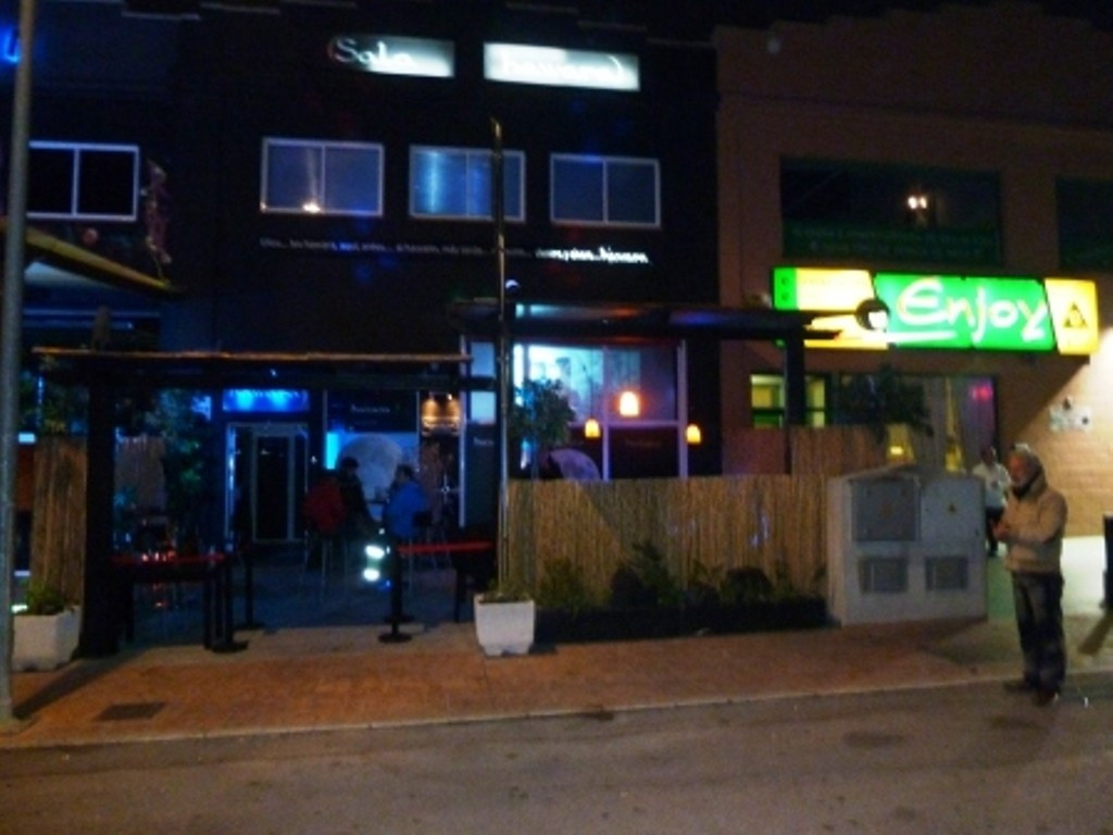 ALHAURIN DE LA TORRE  For LEASE-TRANSFER a fully  equiped  DISCO-PUB, in full swing and with fixed c,Spain