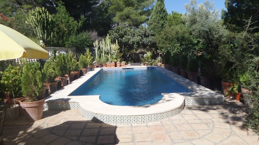 For sale. A great and beautiful villa on 1.500sqm of fenced plot. On ground floor there is a living ,Spain