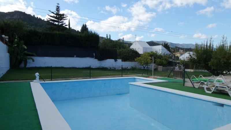 Villa – Chalet en venta en Alhaurín de la Torre – R3048130