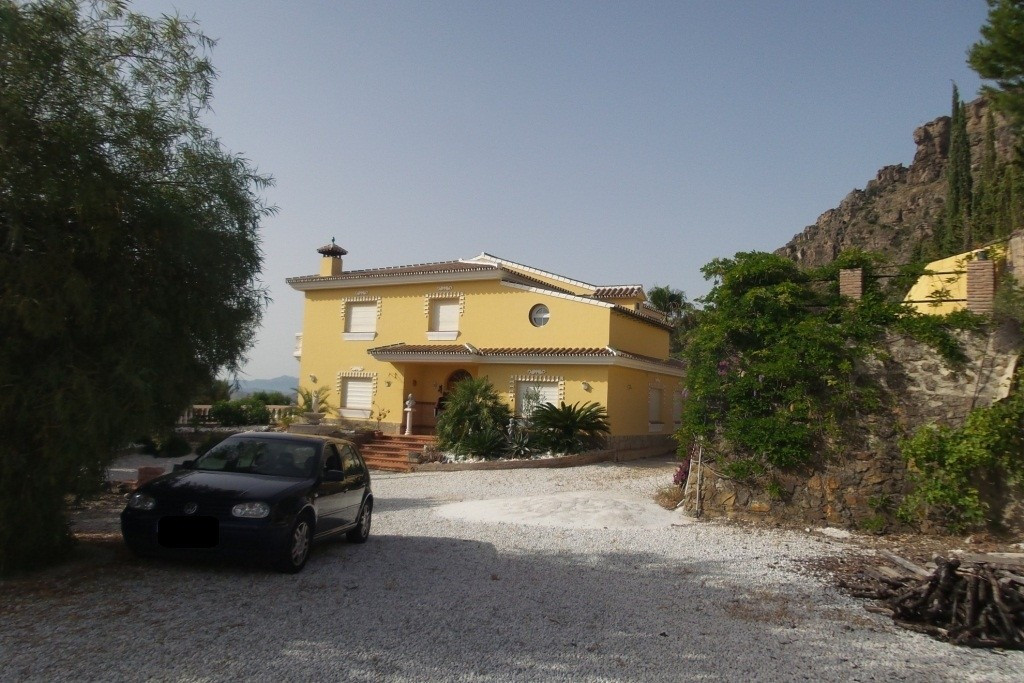 (ALORA) For sale. A spectacular villa on a  32.000m2  fenced plot with olive trees in full productio,Spain