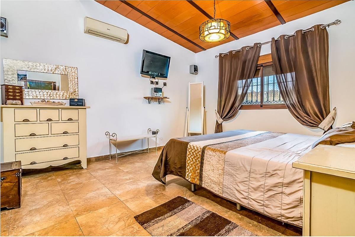 House in Alhaurín de la Torre R3553594 13