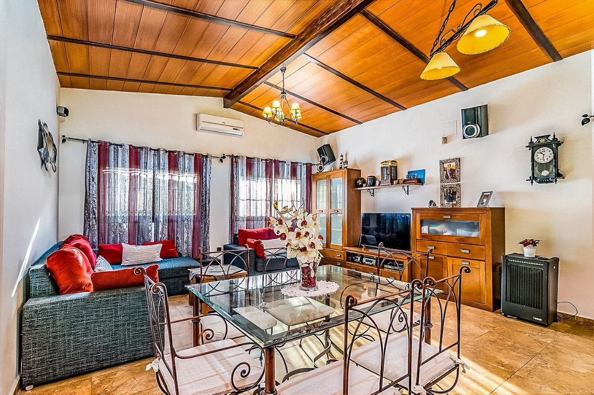 House in Alhaurín de la Torre R3553594 3