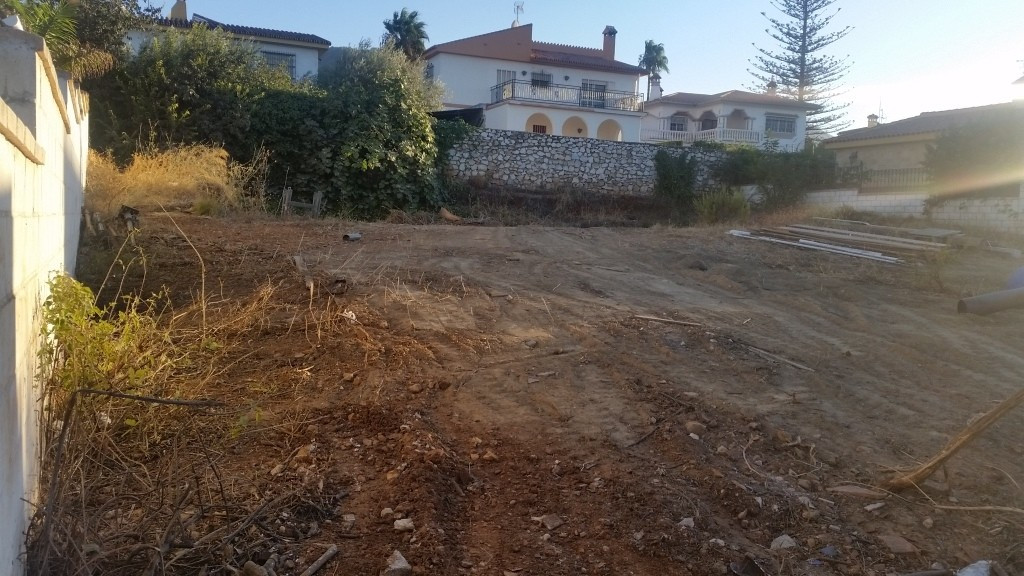 ALHAURIN DE LA TORRE (LOS TOMILLARES) land for sale level of 660 sq.m with building allowance of 30%,Spain